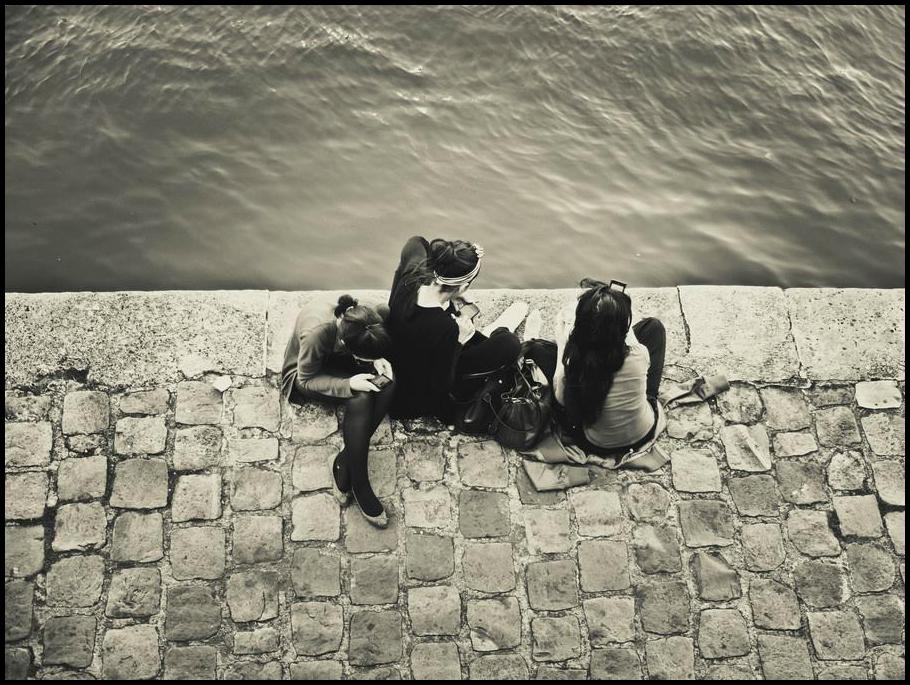 Parisiennes au bord de l'eau