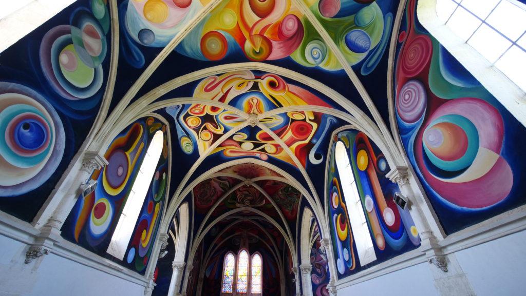 L'étonnante église du Menoux (à 4km d'Argenton) cache une fresque de Carasco. Je suis entré par hasard dans cette église et y ai découvert cette fresque avec émerveillement.